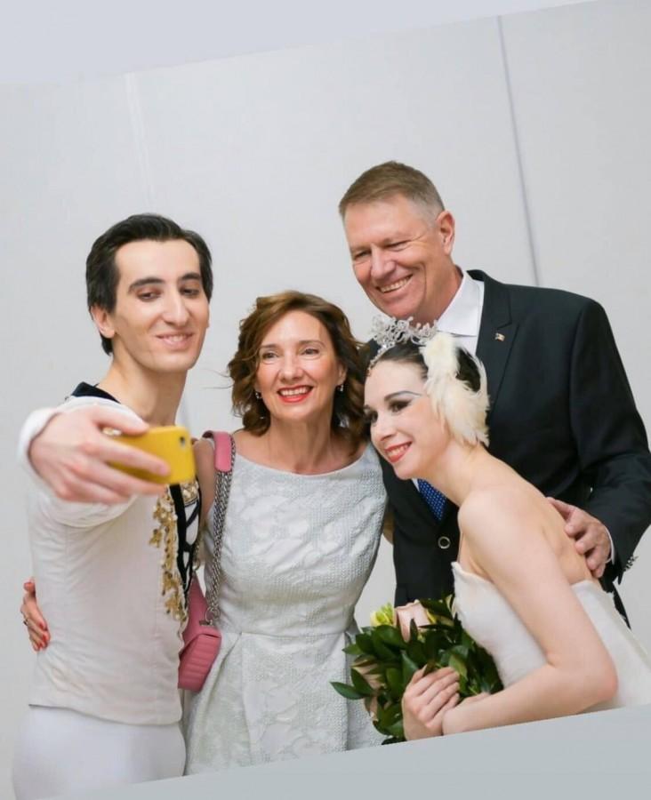 De Ziua îndrăgostiților, soții Iohannis au ales Lacul lebedelor