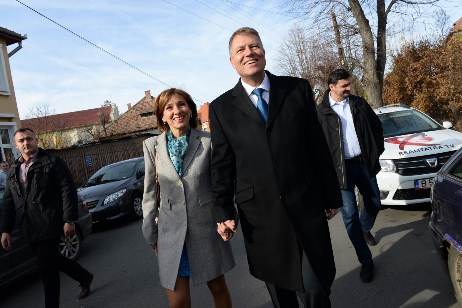 Procurorii clasează un dosar în care familia Johannis a fost reclamată pentru casele din Sibiu