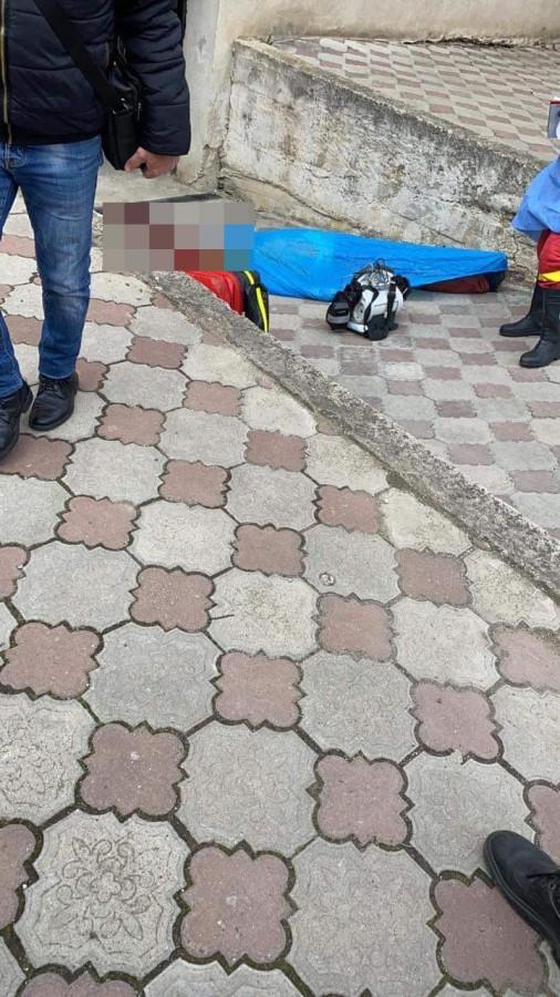 Tânăr sibian găsit decedat, după ce ar fi căzut de la etaj, în Ștrand