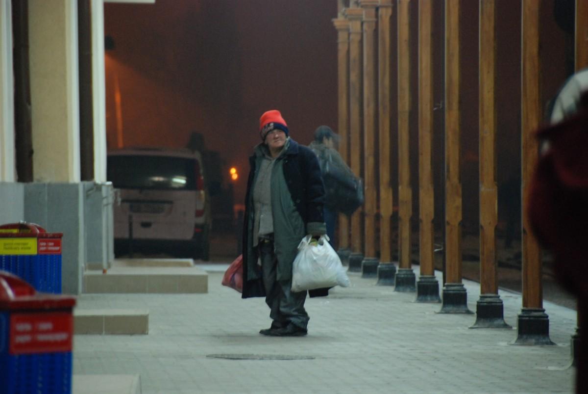 Soluții găsite la Sibiu, pentru oamenii străzii, în această perioadă: adăpost deschis și ziua