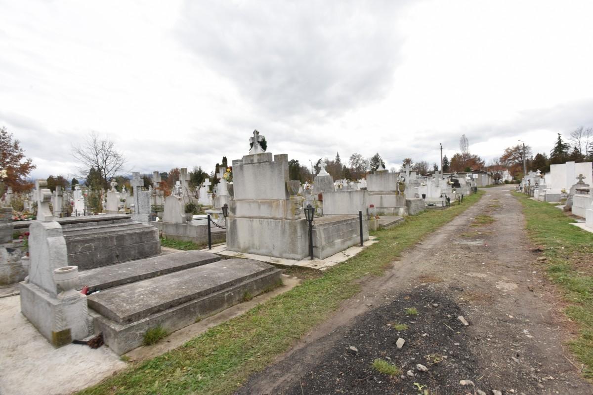Dacă nu merg a biserică de Paști, am voie să merg la cimitir? Răspunsurile DSU pentru populație