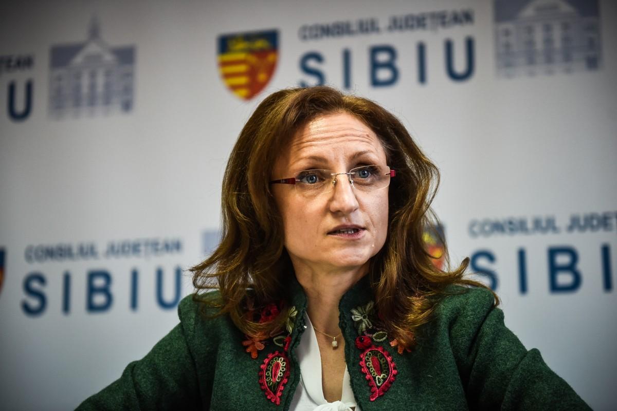 """Președinta CJ Sibiu, Daniela Cîmpean, răspuns pentru PSD Sibiu: """"nu vreau să fiu în situația de a vă învăța cum să analizați legislația"""""""