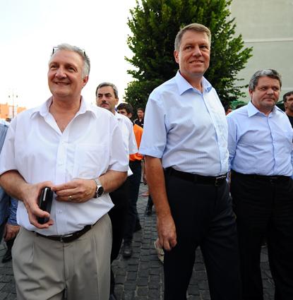 Fostul președinte al CJ Brașov: Iohannis m-a implorat să nu facem aeroport la Brașov