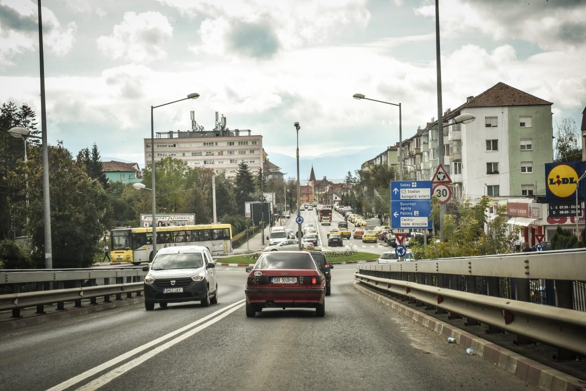 Alternativă la timbrul de mediu: taxarea fiecărui plin de combustibil și impozitarea în funcție de norma de poluare