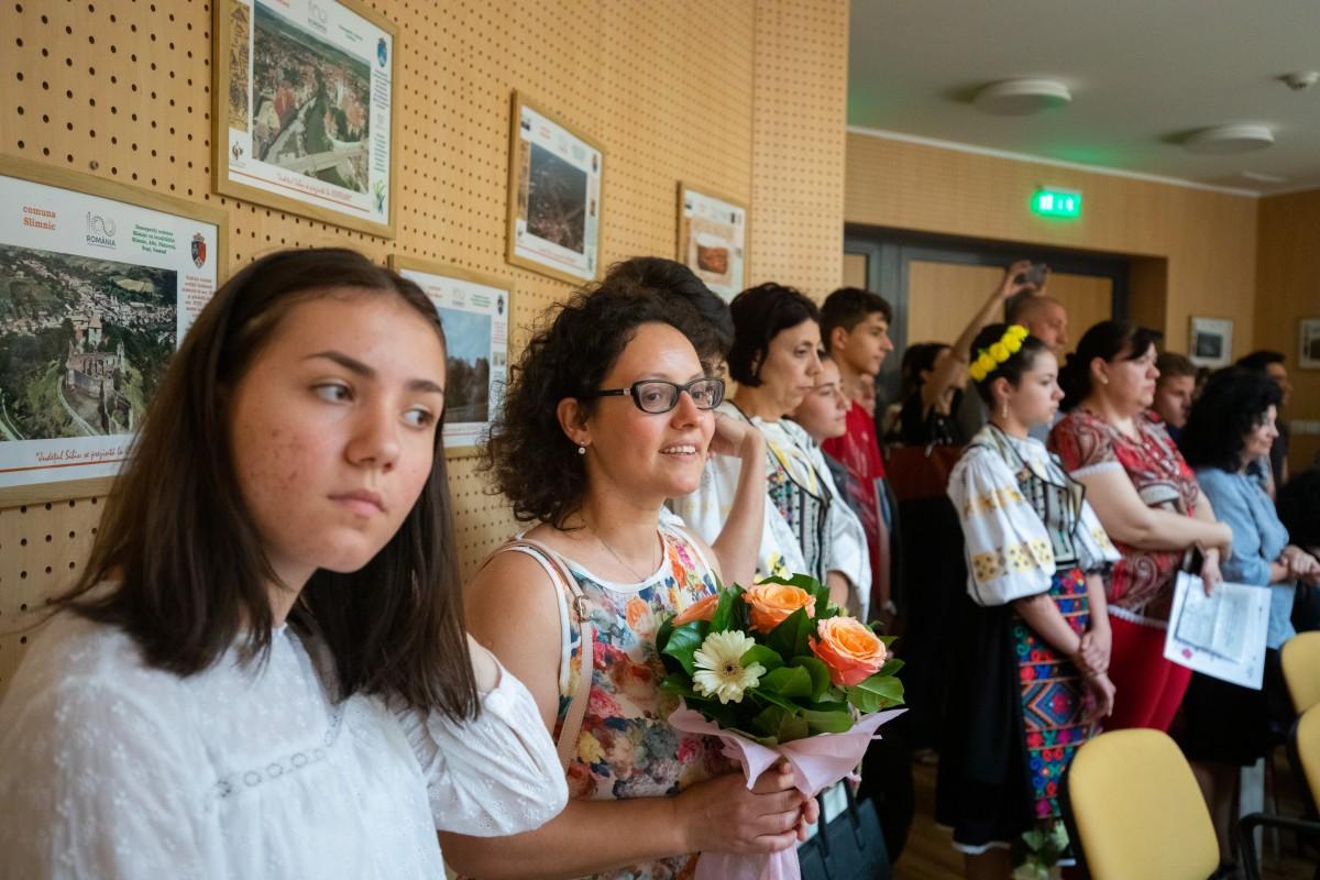 Cei mai buni elevi și profesori din Sibiu vor fi premiați. Care sunt condițiile