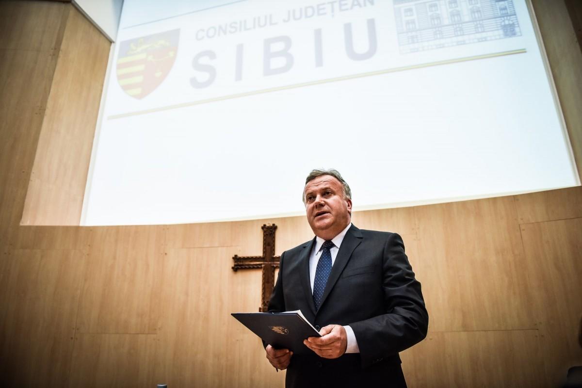 """Un singur candidat, 23 de voturi """"pentru"""". Șovăială, ales președinte interimar: """"am emoții""""/FOTO"""