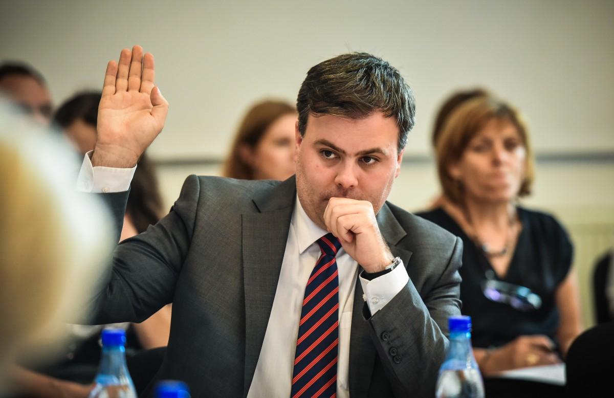 Fostul viceprimar al Sibiului a demisionat și din Consiliul local: e consilier de stat