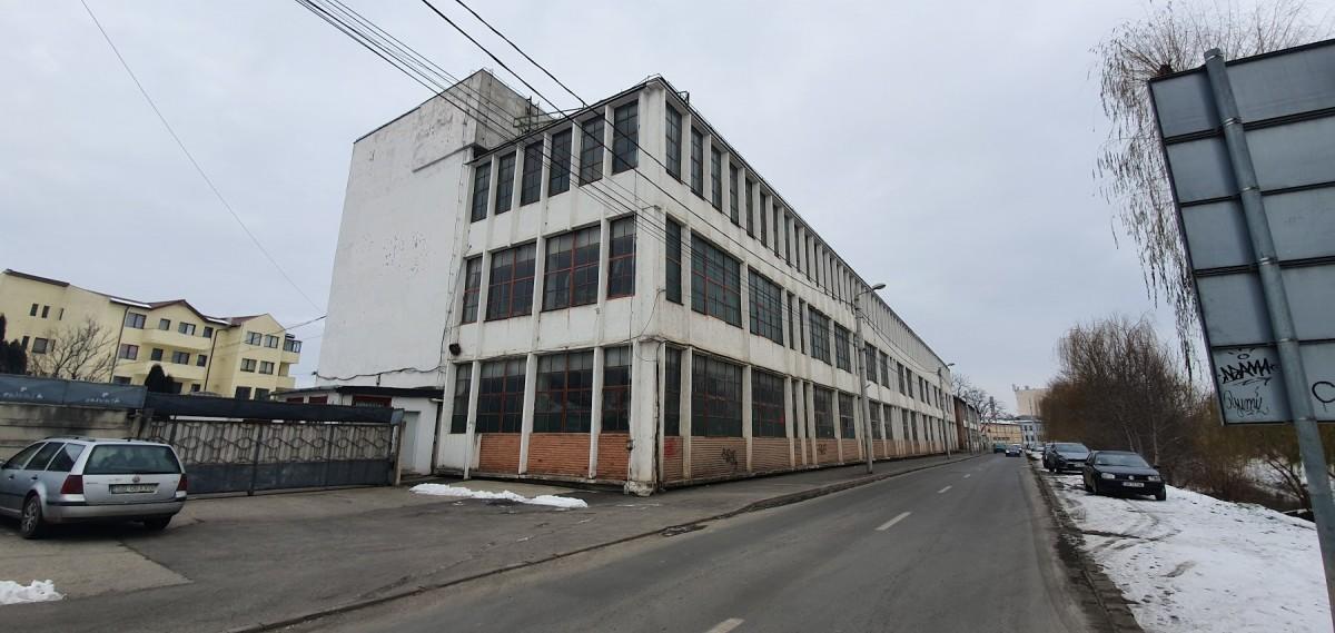 Ultima fabrică de creioane a României, cea de la Sibiu, scoasă la vânzare: 1,6 milioane de euro