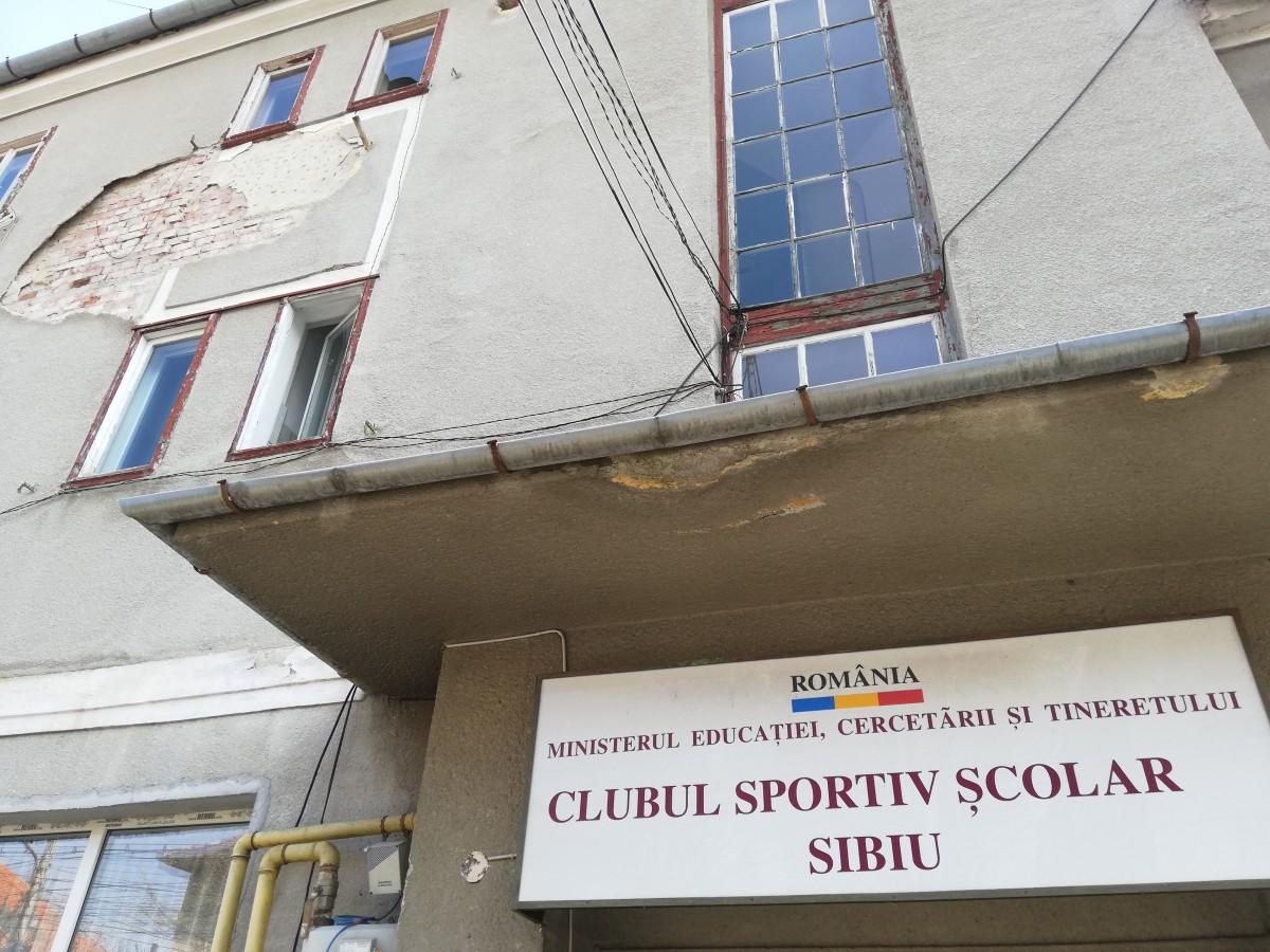 """FOTO """"Sportivi avem, dar finanțare zero"""".În ce condiții cresc campioniide la CSȘ Sibiu"""