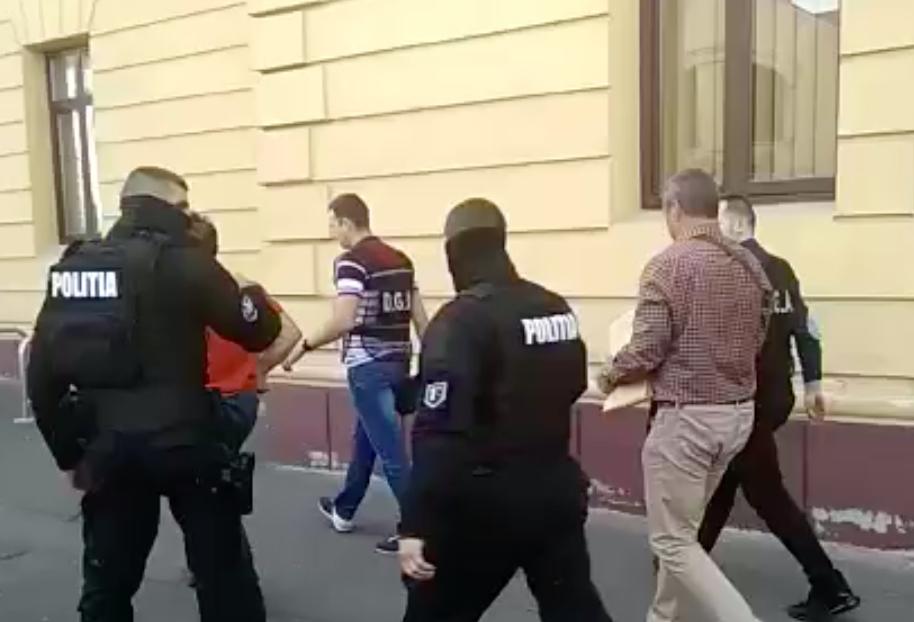 """Toți șpăgarii de la RAR Sibiu, arestați pentru 30 de zile. Contestații """"la pachet"""""""