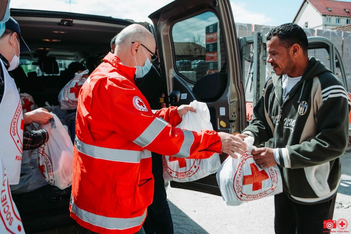 Crucea Roșie:Permise și vize actualizate pentru cei 45 de egipteni și tunisieni blocați în Sibiu