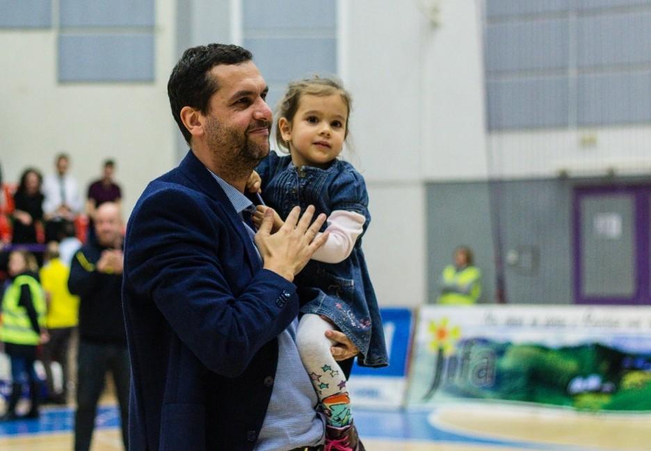 """Dan Fleșeriu, antrenor CSU Sibiu: """"Cred că este singurul oraș în care nu se poate legal susține și baschetul"""""""