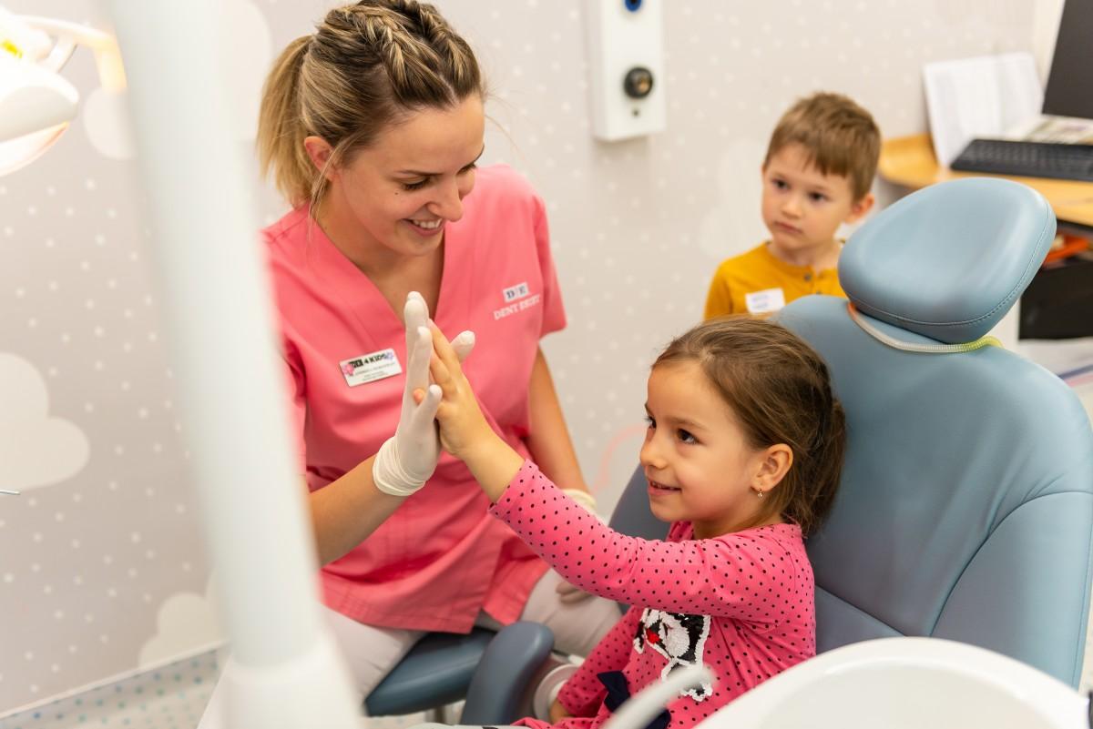 Coronițele dentare pentru copii - revoluția din stomatologia pediatrică