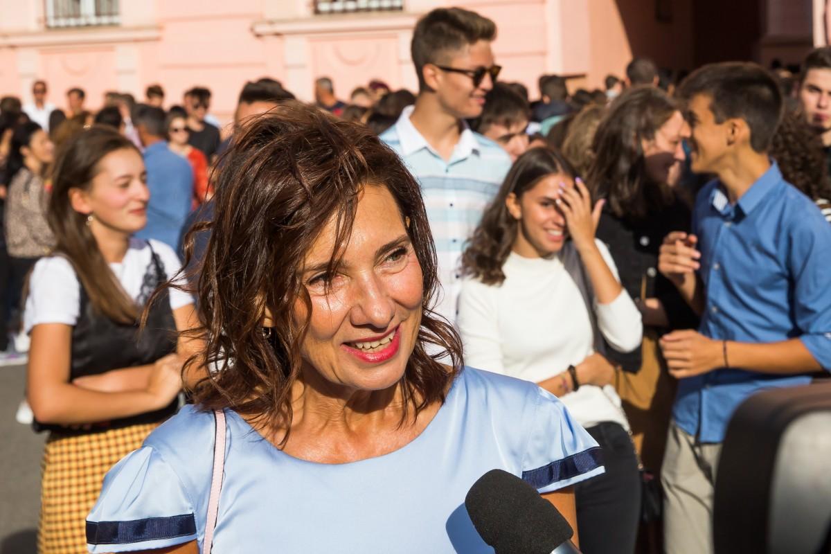 """Carmen Iohannis în prima zi de școală: """"O să predau două zile pe săptămână"""""""