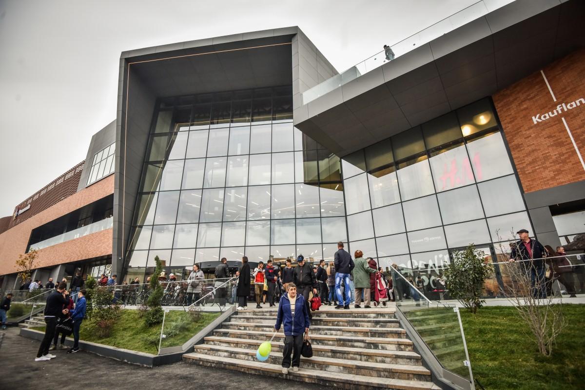 Mall-urile și magazinele din Sibiu își scurtează programul