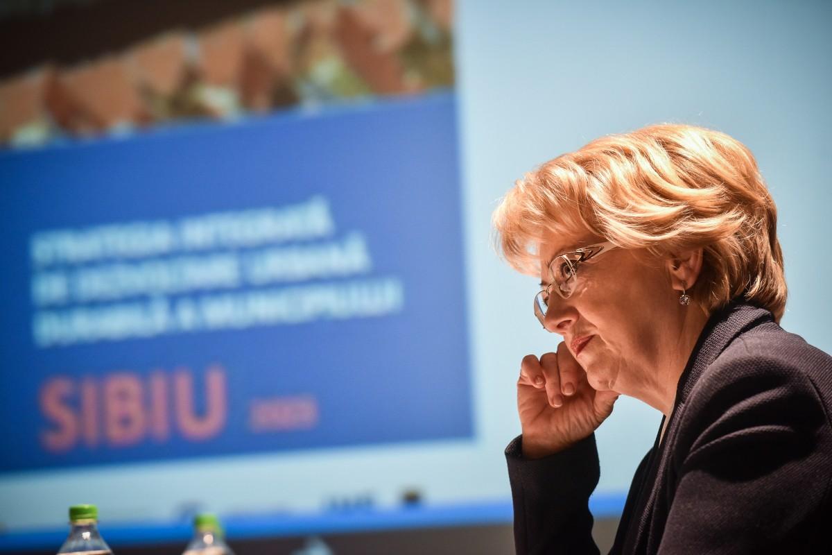 Ultima dezbaterepeStrategia Sibiului. Astrid Fodor: 27 mil. euro vor fi folosiți pentru transport ecologic și piste de biciclete | Foto și video