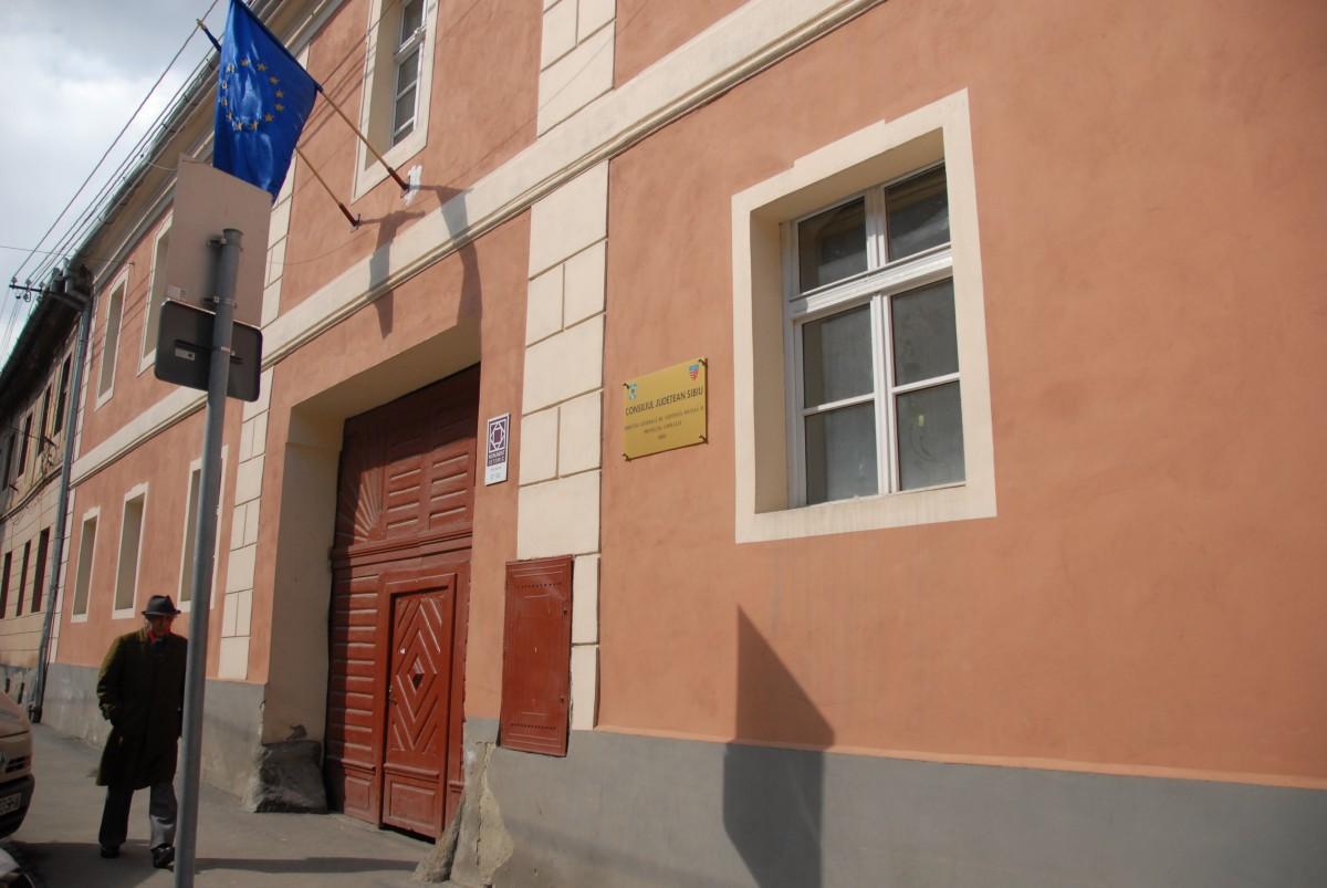 DGASPC Sibiu recrutează asistenți maternali