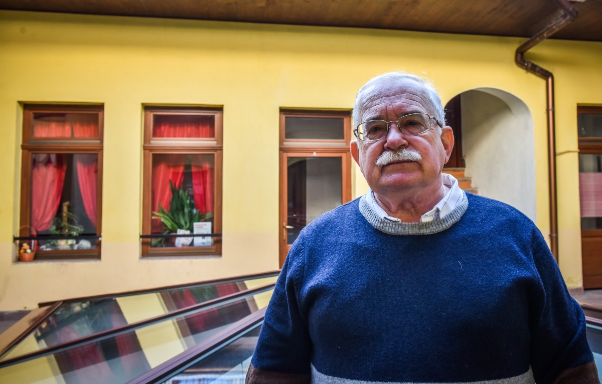 """30 de ani de libertate văzuți prin ochii unui chirurg din Sibiu: """"În multe spitale condițiile lasă de dorit"""""""