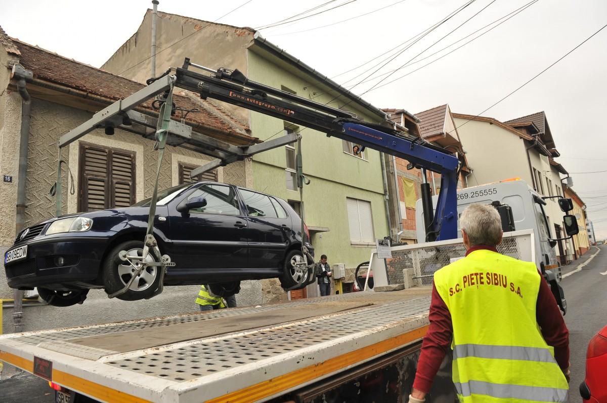 Raportul Poliției Locale: Zilnic sunt ridicate cinci mașini și amendate trei persoanepentru cerșetorie