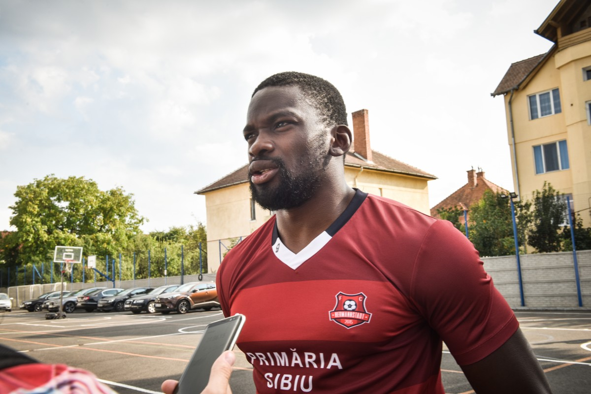 Interviu cu Juvhel Tsoumou, FC Hermannstadt: Asta e diferența între Anglia, Franța, Germania și România!