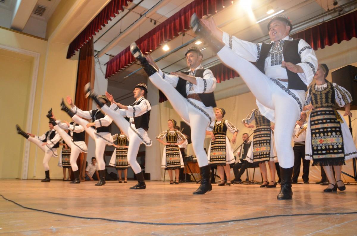 """PROGRAM. A început Festivalul Internațional de Folclor """"Cântecele Munților"""""""