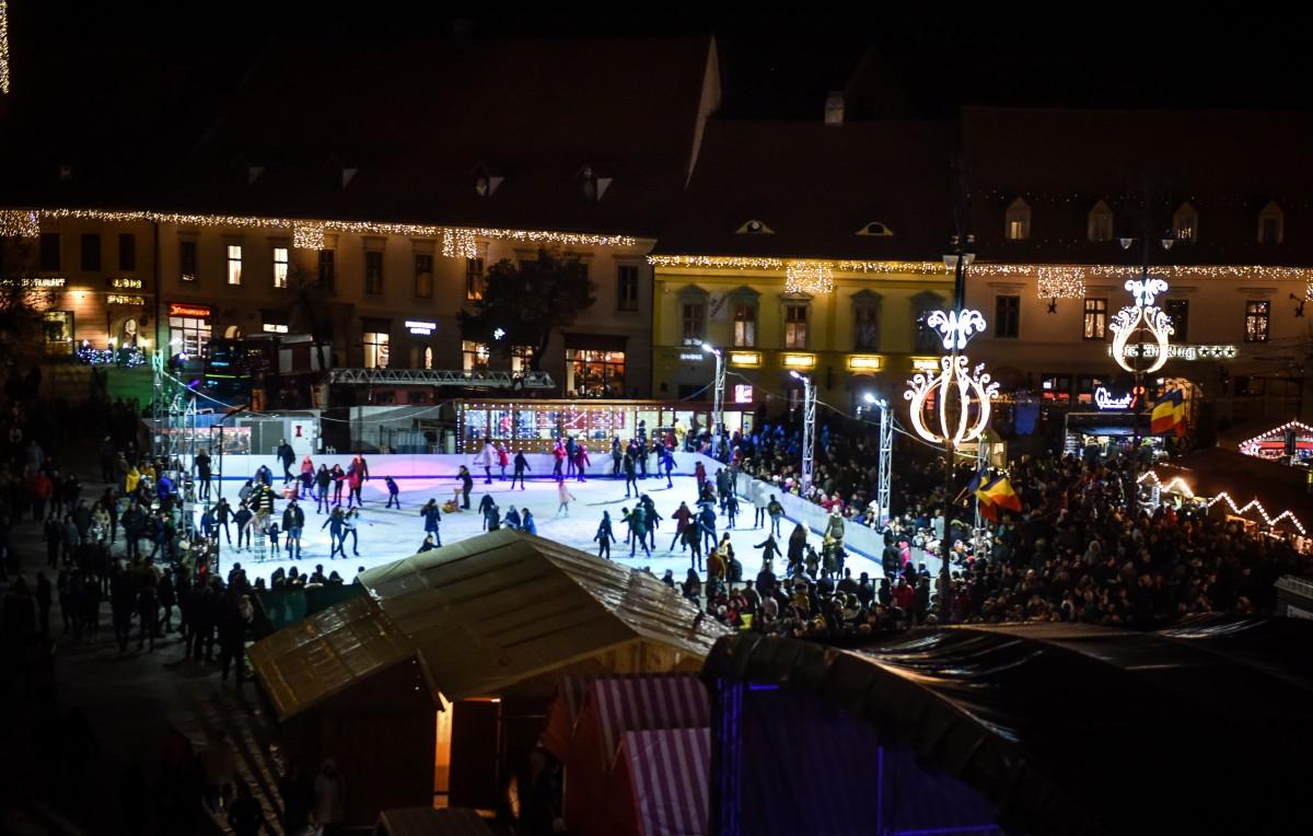 Ce aduce nou patinoarul din Piața Mare, anul acesta