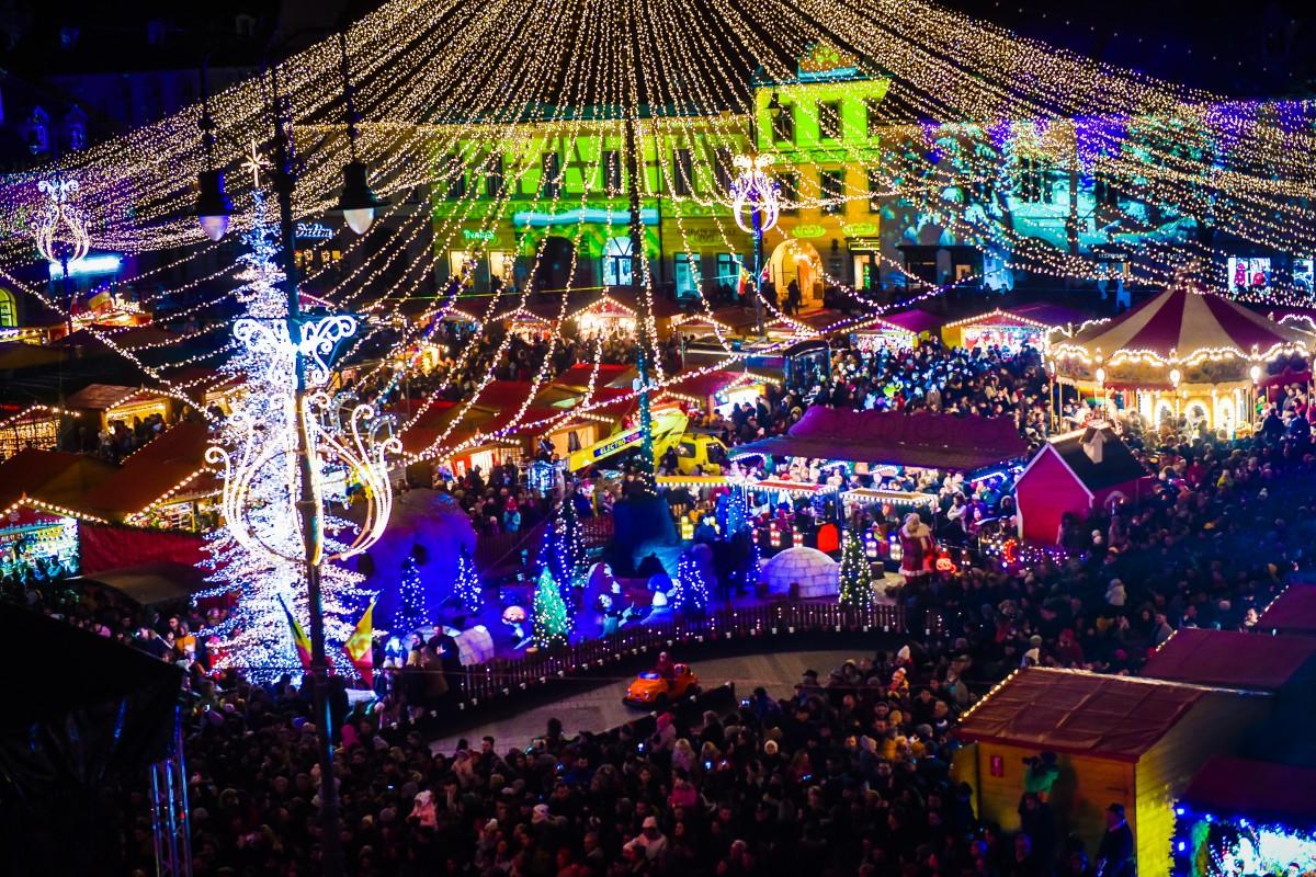 Monica Anghel și Radu Nechifor deschid Târgul de Crăciun