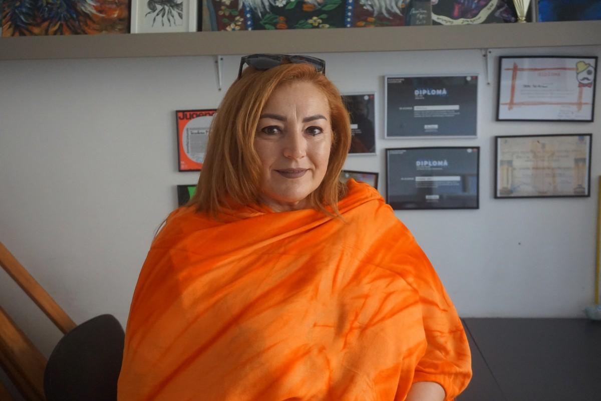 """Mariana Anghel, profesoară la Școala Populară de Arte din Sibiu: """"Am o cursantă de 56 de ani"""""""