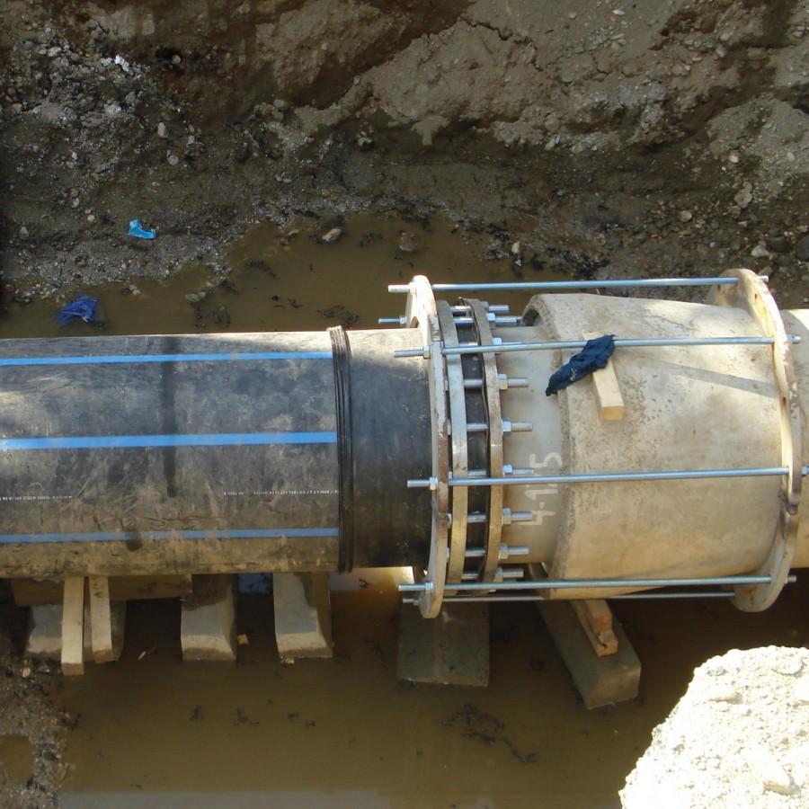Intervenție la conducta de transport apă potabilă Fontă Dn 600 în zona parcului Sandor Petofi – str.Tudor Arghezi