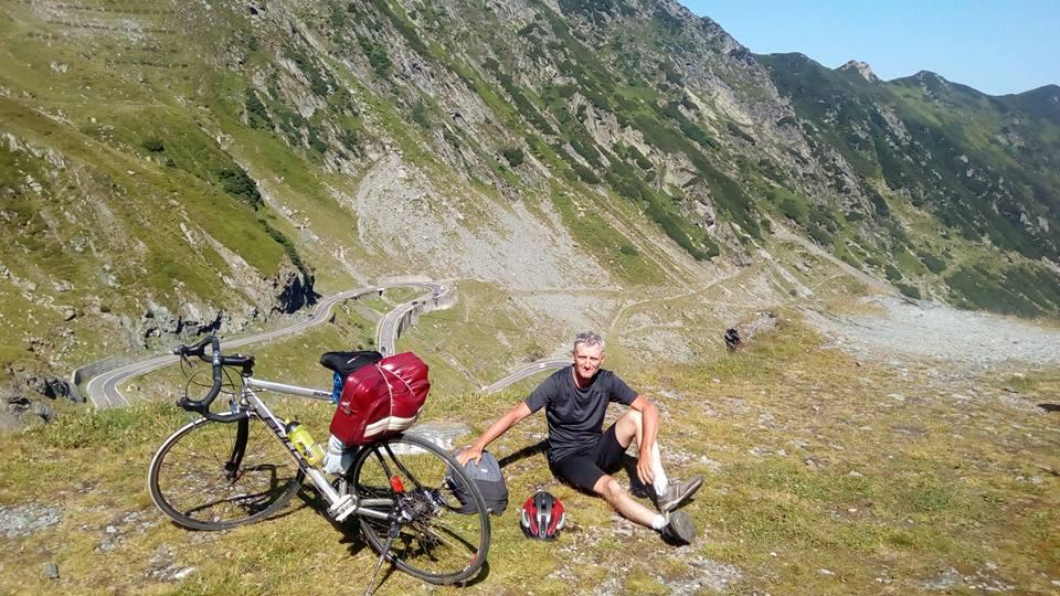 3100 de km și 24 de județe pe bicicletă. Interviu cu cisnădianul care a traversat țara în lung și lat pe două roți