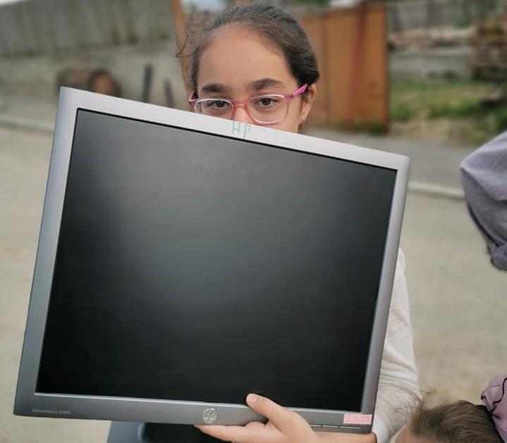 Campania ISJ: Peste 170 de calculatoare primite. Mai sunt necesare monitoare și echipamente periferice