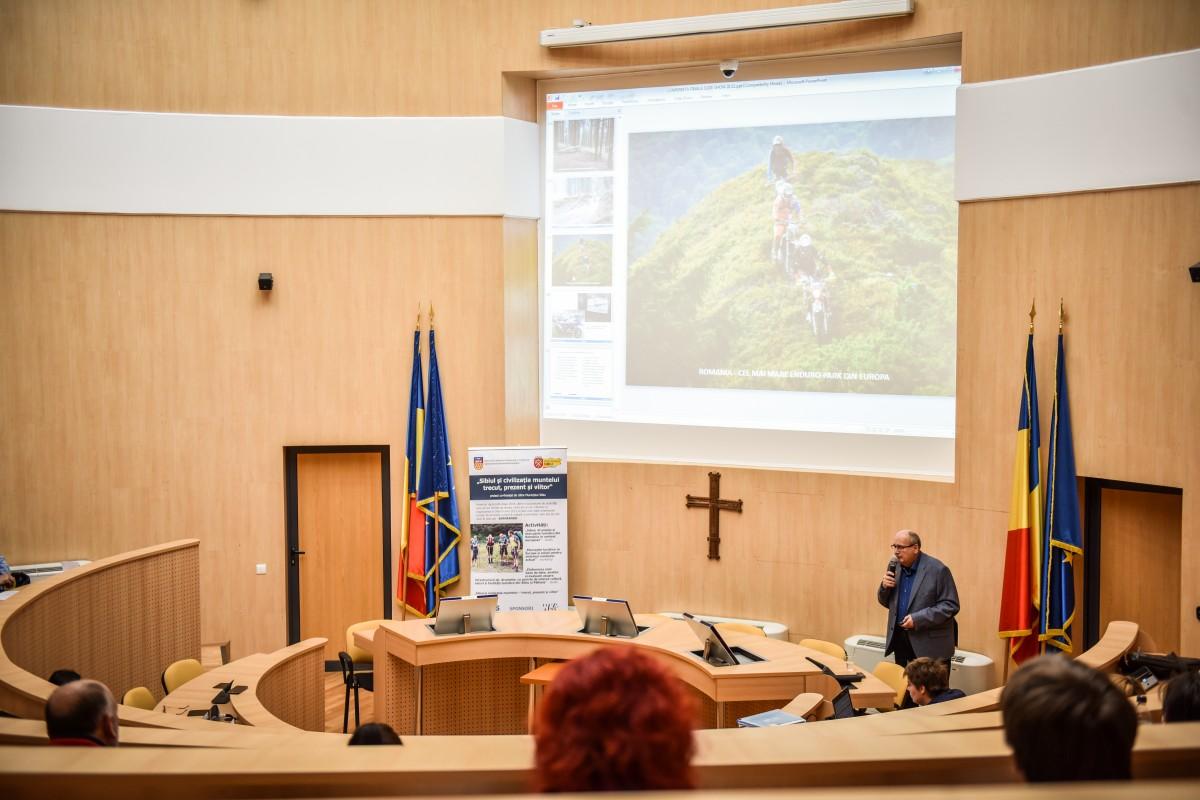 Studiu SKV: Cine distruge natura în Sibiu? Cursele de enduro, urșii și defrișările