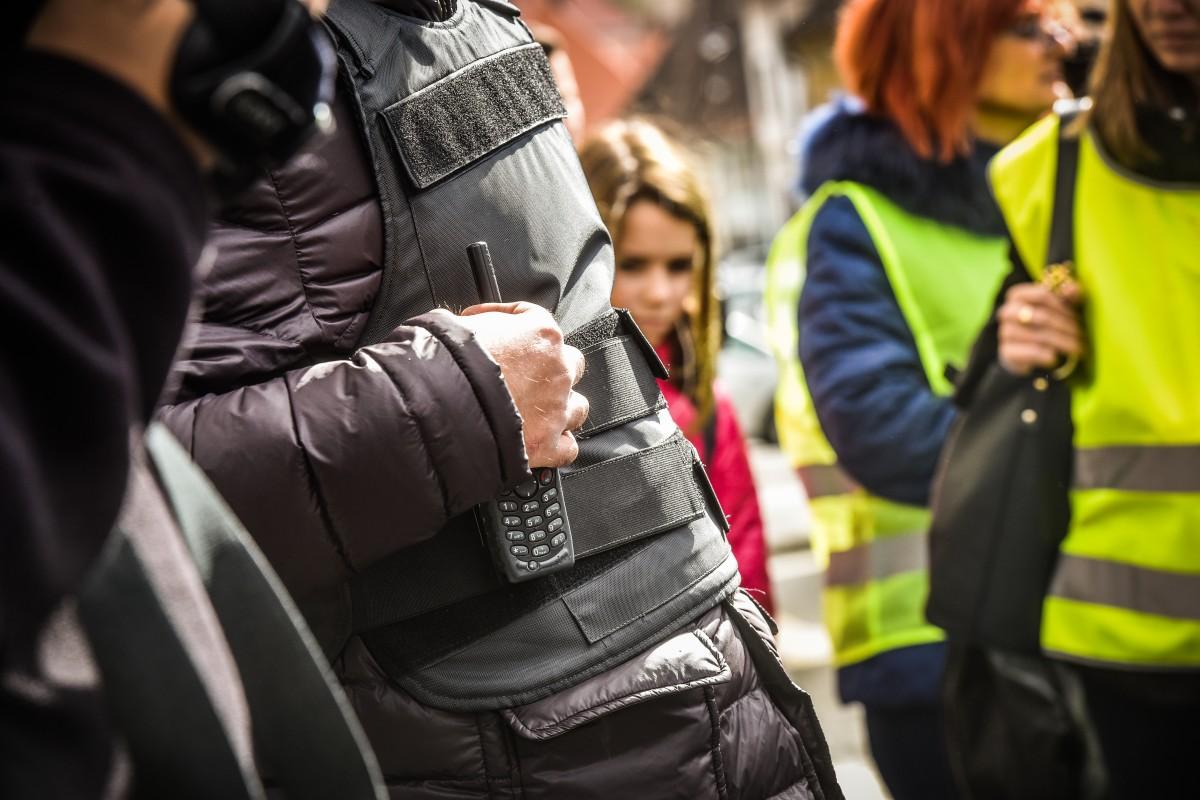 Tânăr cisnădian reținut, după ce a încălcat ordinul de restricție și a intrat în casa fostei iubite