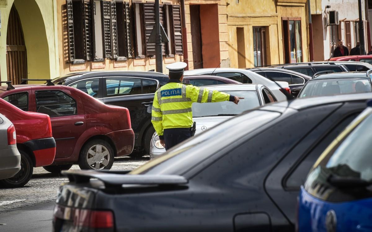 Din traficul sibian: copil accidentat pe trotuar, bărbat lovit când traversaîntr-un loc nepermis