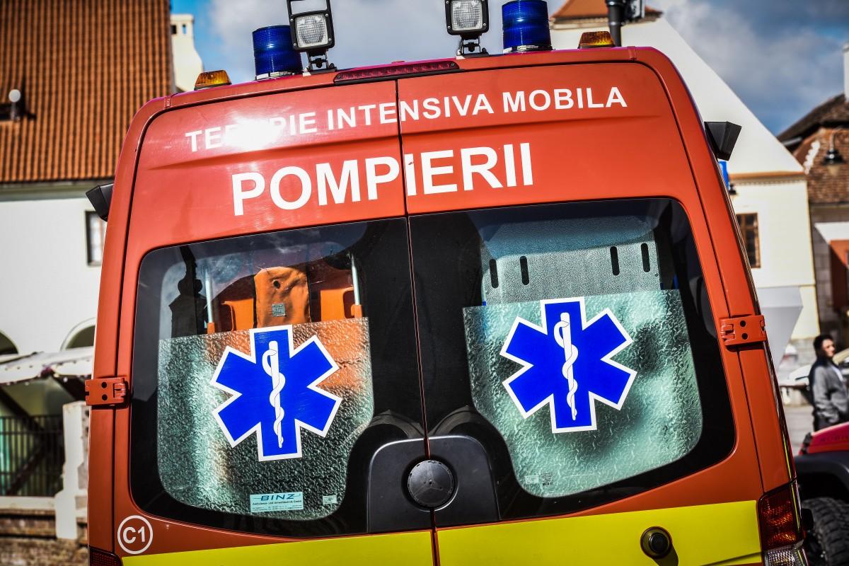 Pieton lovit de mașină, după ce a traversat neregulamentar, pe Calea Cisnădiei
