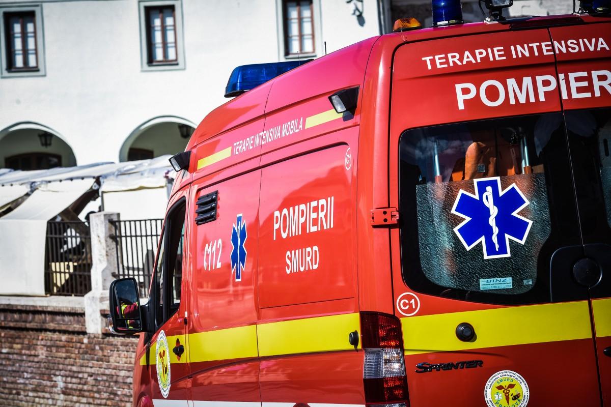 Unui bărbat i s-a făcut rău pe stradă, în Vasile Aaron. Intervine SMURD