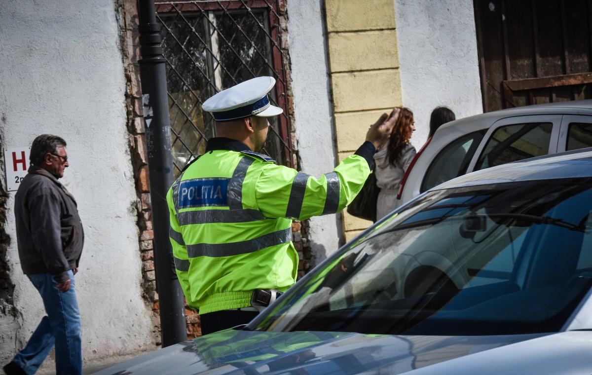 Tânăr băut și fără permis, prins la volan, în centrul orașului