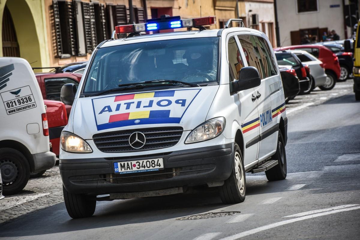 Urmărire de amploare în centrul orașului. Doi tineri au fost prinși cu oarmă furată
