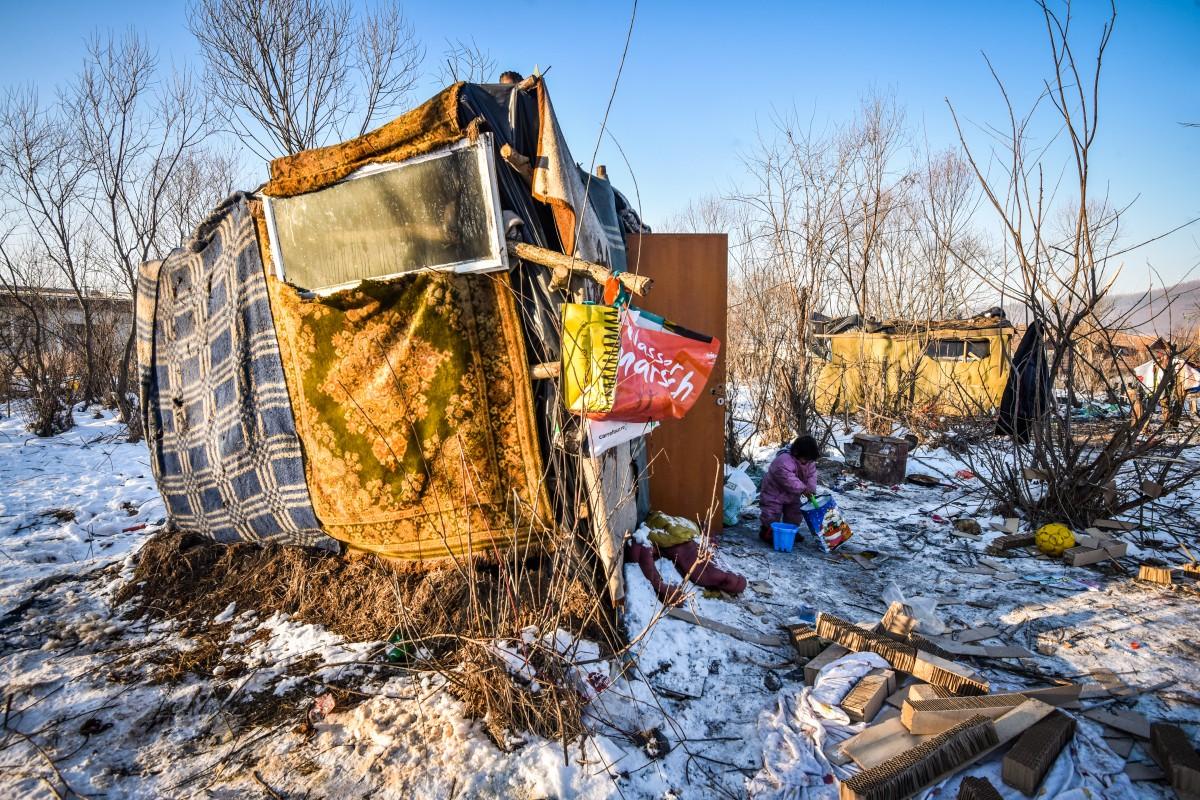 """Asistenții sociali, desprefamilia de la marginea cartierului Broscărie: """"Cazul se află în evidența noastră din decembrie"""""""