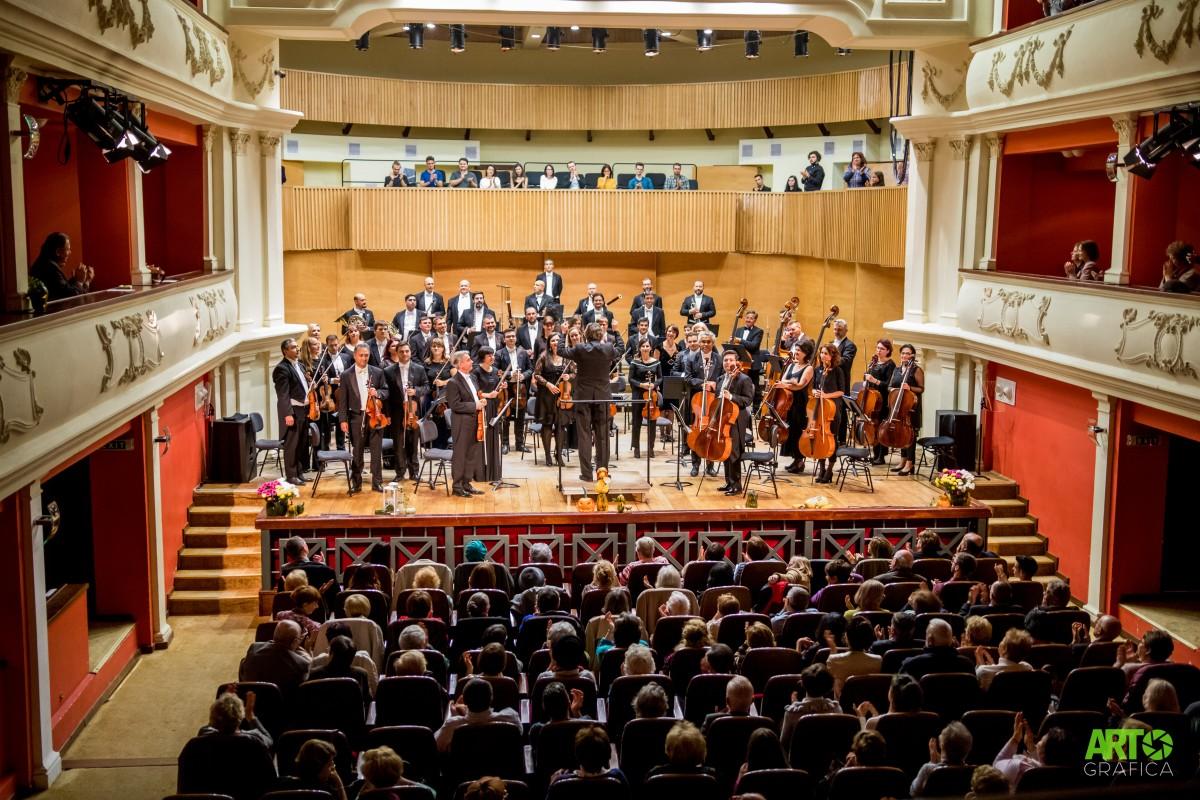 Filarmonica din Sibiu are concert simultan în Piața Mare și în București