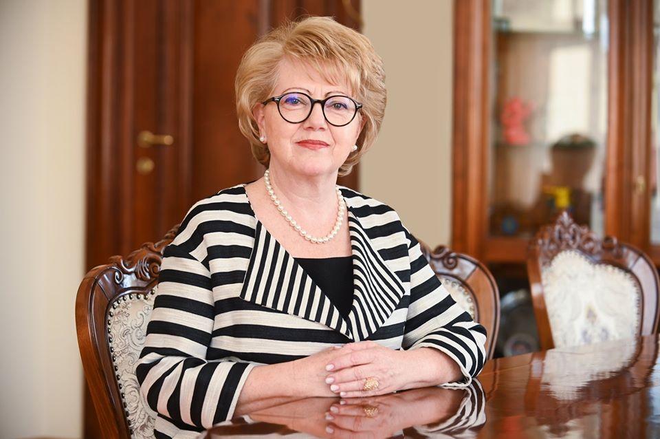 """Primarul Sibiului, Astrid Fodor: """"Solidarizarea sistemului public cu cel privat este corectă până la un anumit punct"""""""