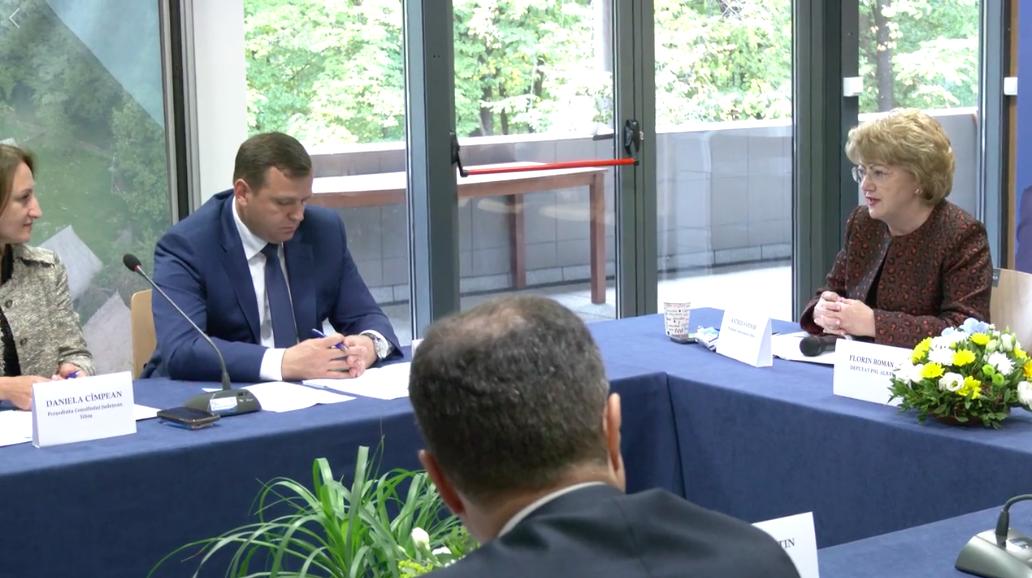 Astrid Fodor, lângă Boc, Bolojan și Robu: Vrem descentralizare și sunt convinsă că PNL va schimba lucrurile