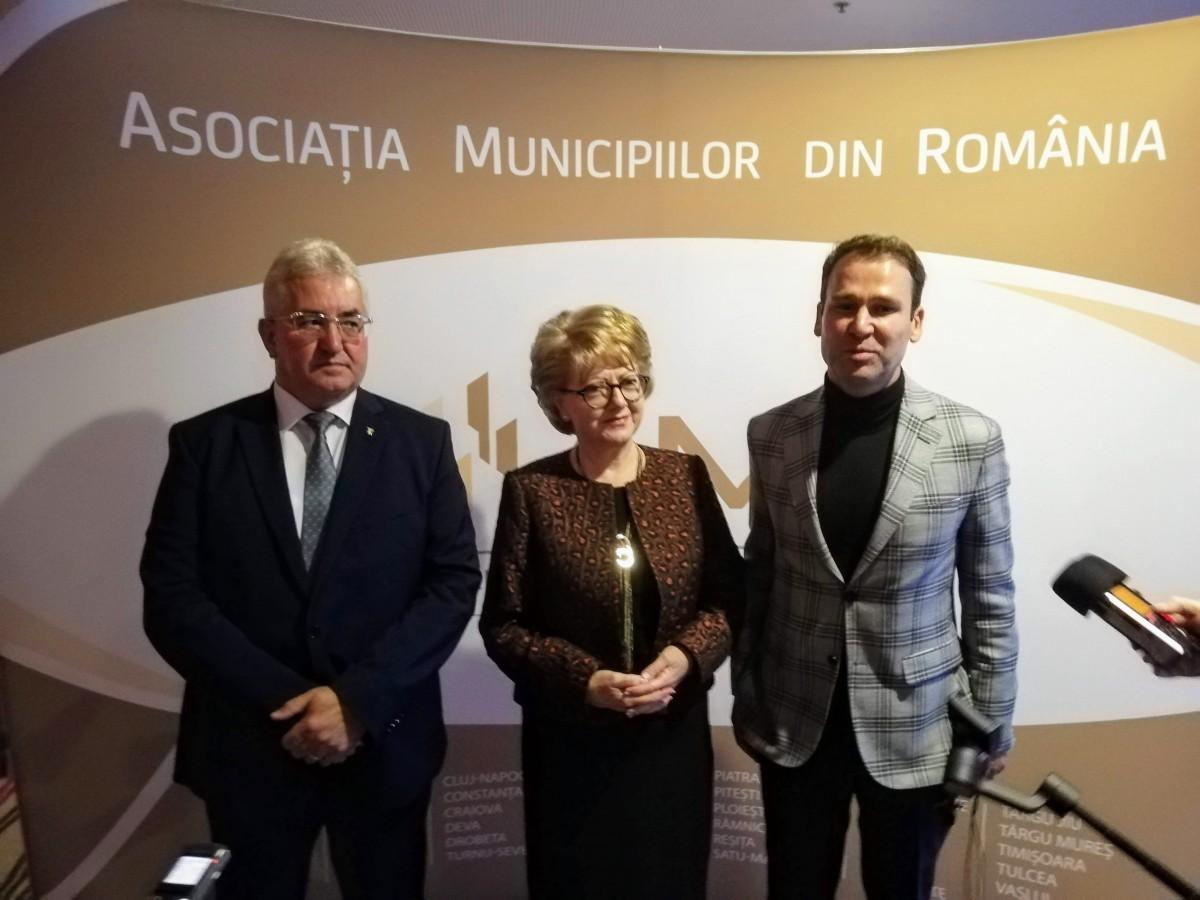 """Efectele crizei politice: Proiectele europene ale Sibiului, în pericol. Asociația Municipiilor: """"Primăriile mici nu vor avea bani de salarii"""""""