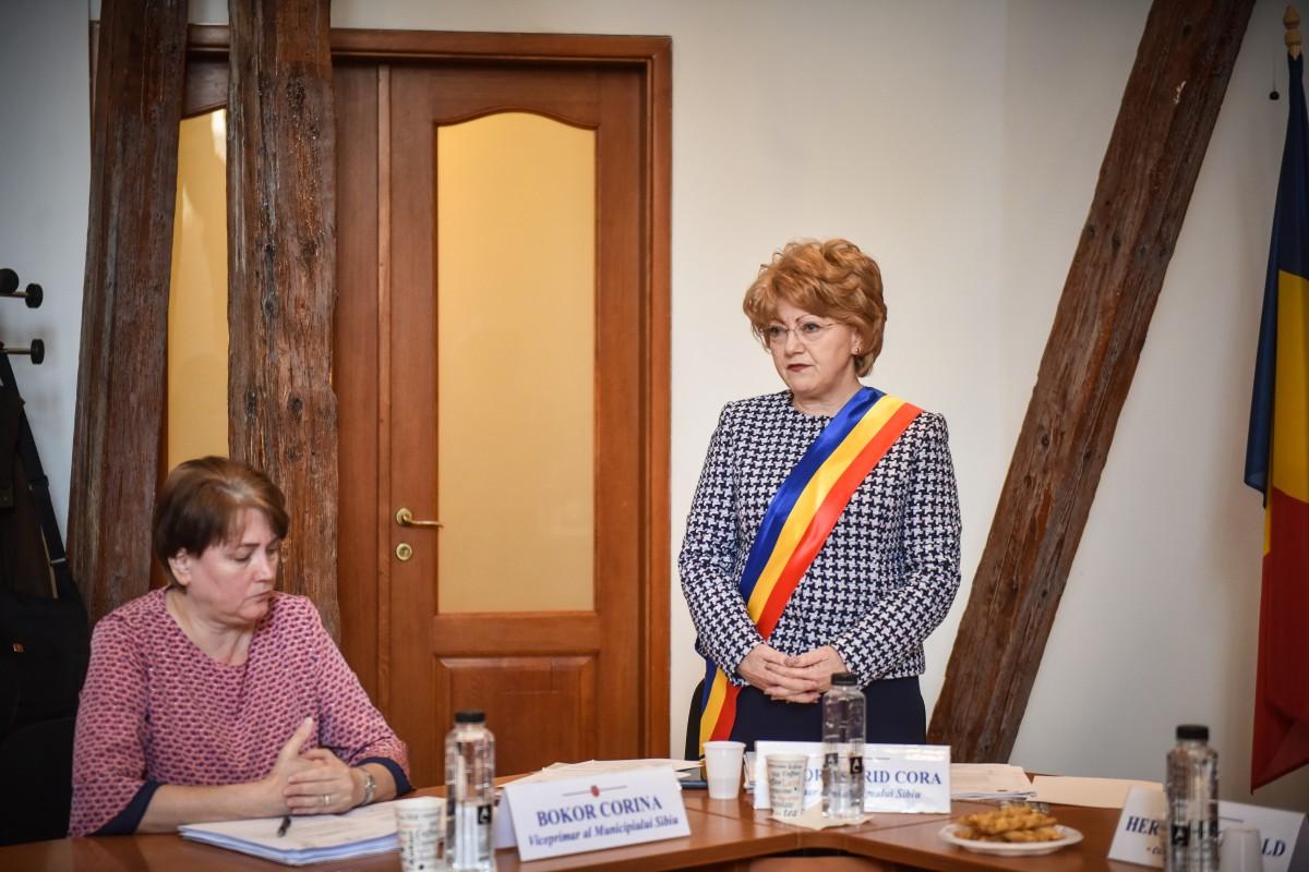 """Sentință cu cântec. Înalta Curte a declarat-o incompatibilă pe Astrid Fodor, primarul Sibiului: """"eu sunt liniștită"""""""
