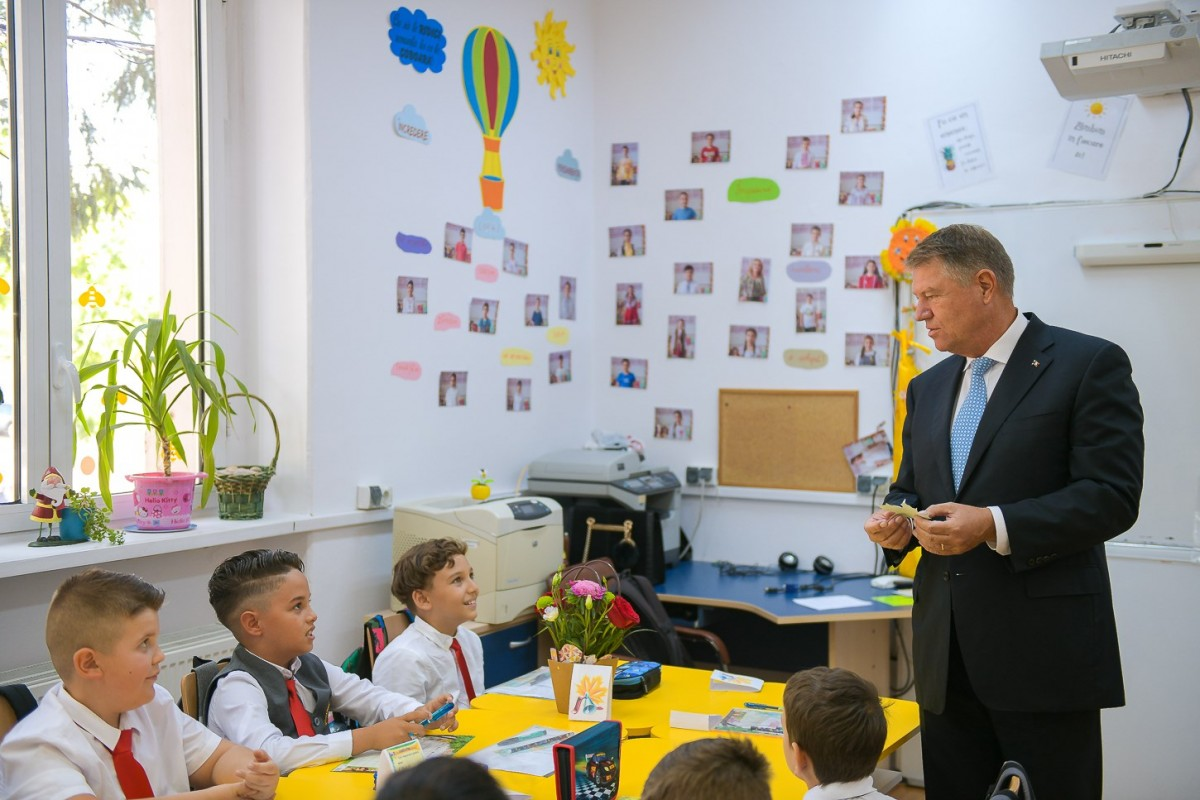 Klaus Iohannis: Respectul să fie în centrul procesului de educație din școli