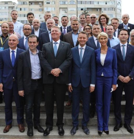 """Klaus Iohannis: """"Vreau să construim România normală, puternică, adică un stat funcţional. PNL înţelege acest drum"""""""