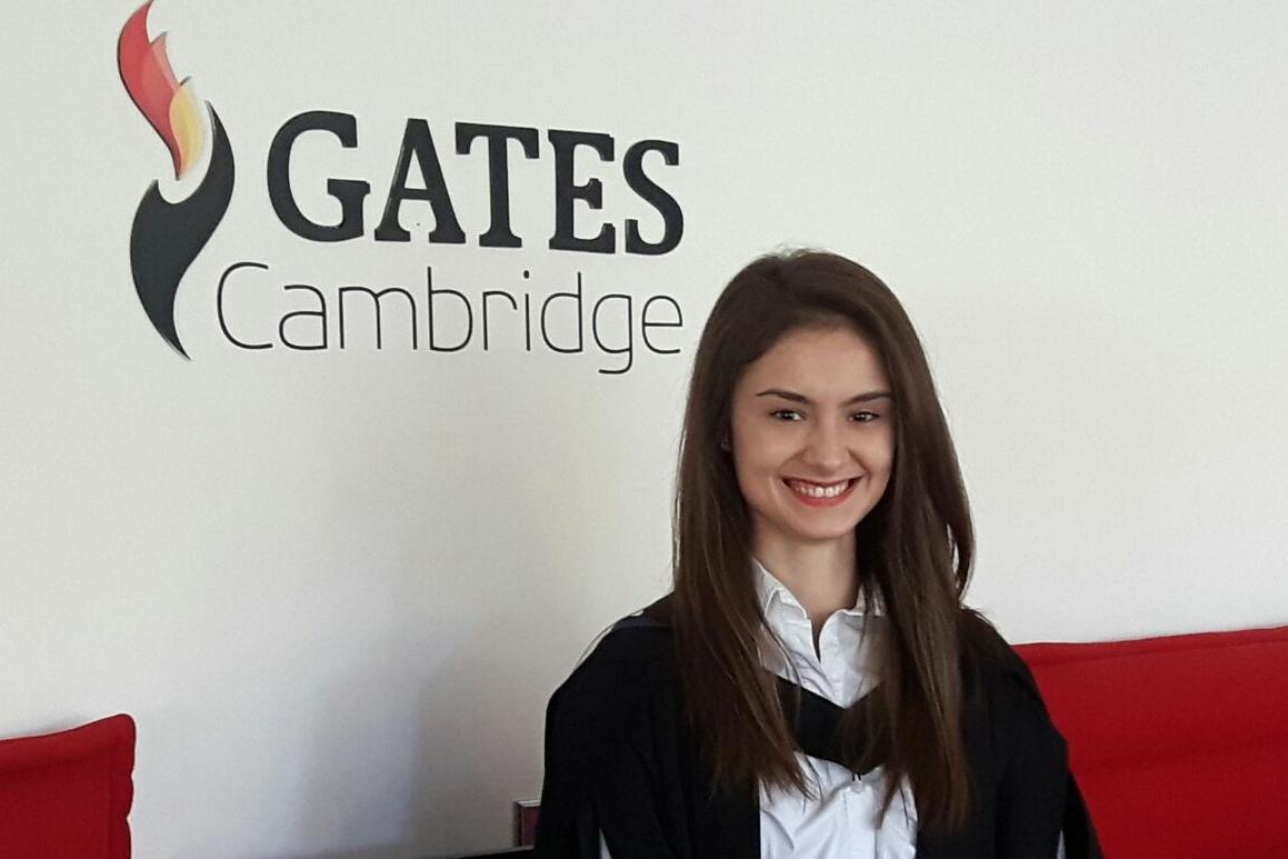 Tânăra din Sibiu care a primit o bursă de merit de la Bill Gates este stagiară la Curtea Penală de la Haga