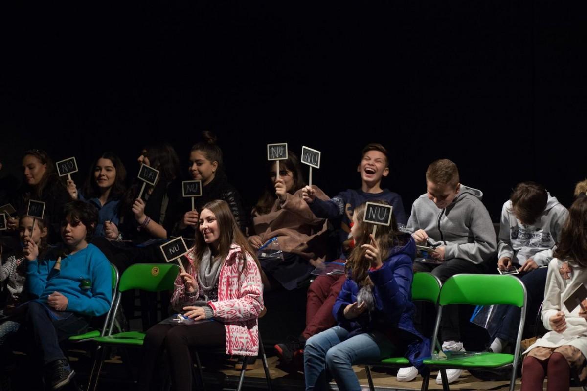 """Poveștile copilăriei transpuse într-o perspectivă modernă. Teatru pentru adolescenți la """"Gong"""""""