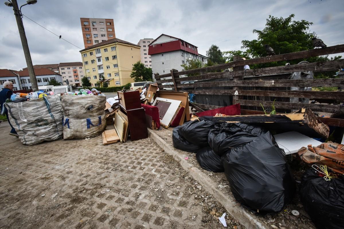 A fost adoptată noua taxă de salubrizare. Toți proprietarii din Sibiu, așteptați la Primărie cu declarații scrise. ABC-ul noului sistem