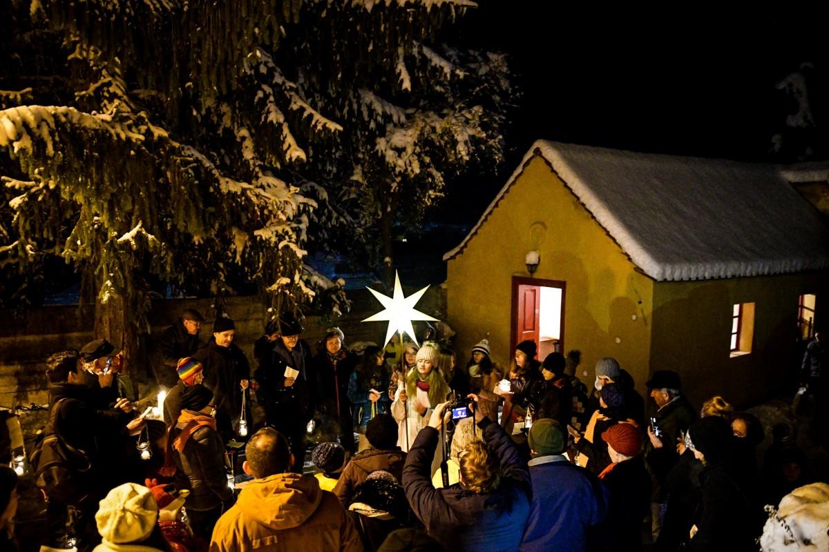 Târg de Crăciun la Hosman cu evenimente dedicate copiilor. Transportul din Sibiu este gratuit
